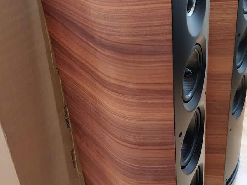 Sonus Faber Venere 3.0 Wood -  Excellent condition - UK seller, local pickup please.
