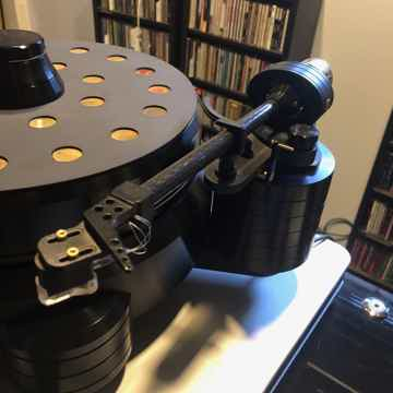Acoustic Signature Thunder MK2 with TA5000 arm