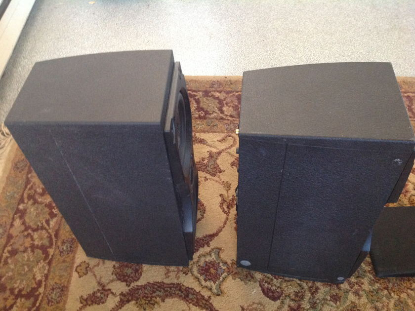 Meridian M33 Self Powered Speakers