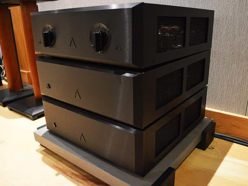 Aesthetix IO Eclipse Worldclass Phono Stage with Dual Outboard Power Supplies