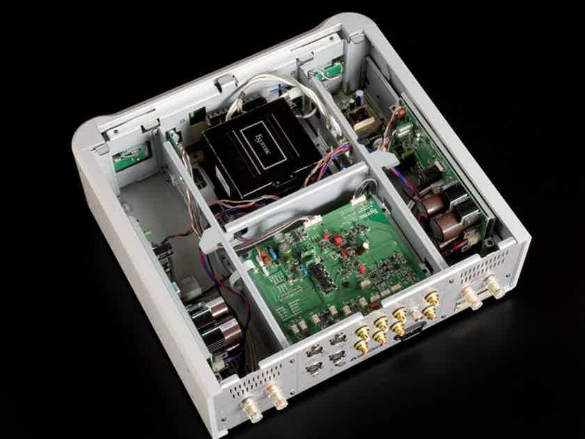 """Esoteric I-03 Stereo Integrated Class """"D"""" Power Amplifier w/warranty AMAZING SOUND & PRICE!"""
