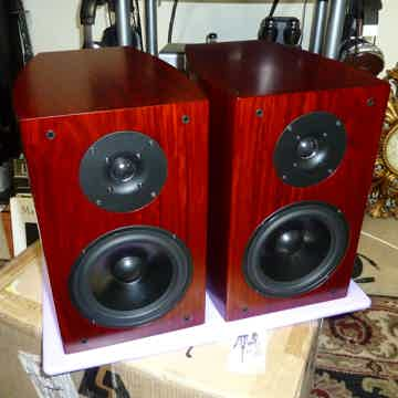Reference Monitor Speakers