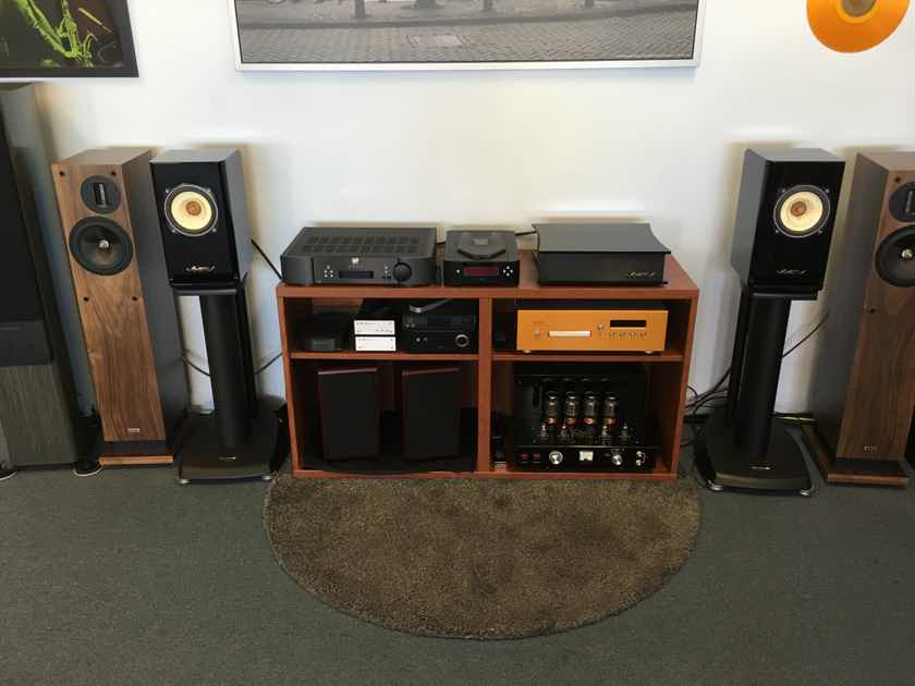Voxativ Hagen - single driver monitor speakers - Absolut system with matching integrated