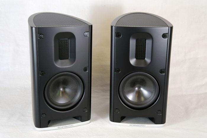 MB1 B stand-mount mini monitor
