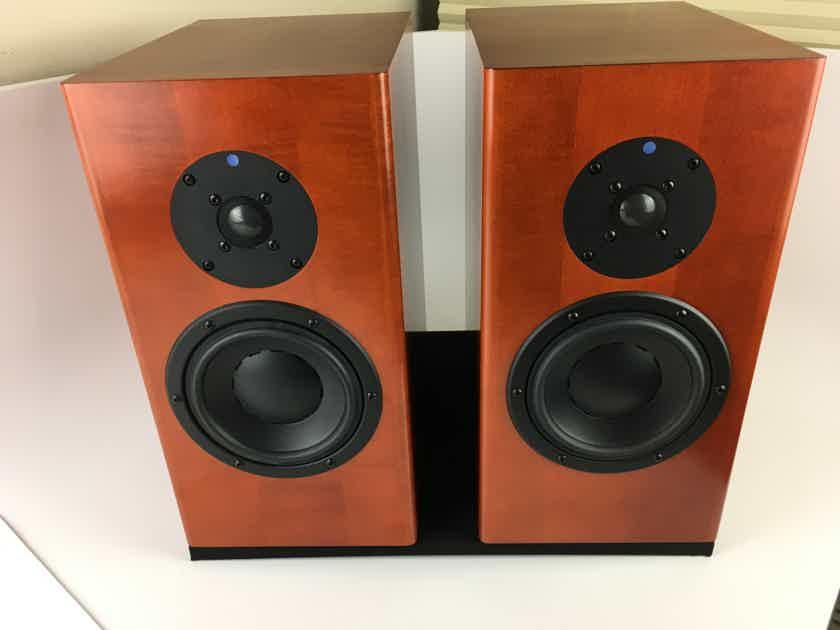 Totem Acoustic Mani 2 Sig Speakers Like New, Incredible Performer