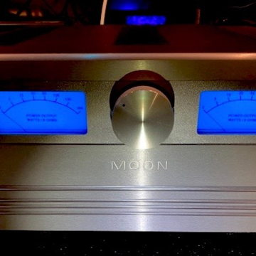 Cary Audio Stunning & Rare Ref MOON Amplifier works like a 1 input :