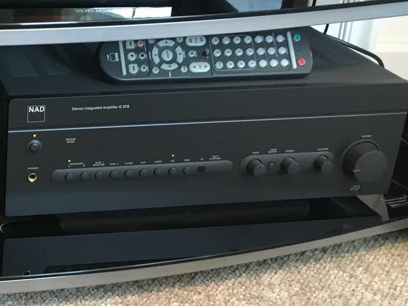 NAD C372 2 Channel Integrated Amplifier with Remote - Excellent Condition