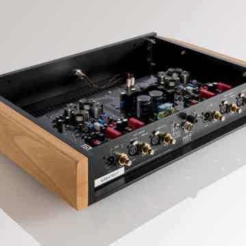 Van Den Hul - The Grail SB - Balanced Phono Preamplifier