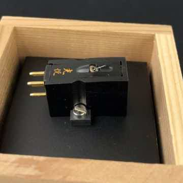 Koetsu Black Low-Output MC (Moving-Coil) Cartridge, Mus...