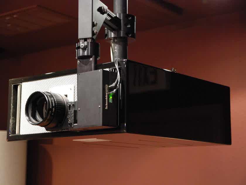 Wolf Cinema SDC-15