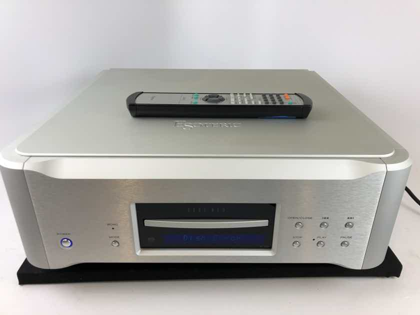 Esoteric K-03 SACD/CD Player with Remote (B)