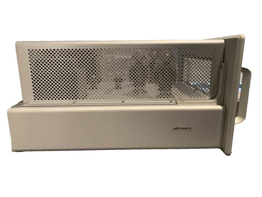 Audio Research Reference 160 M Mono Amplifier (REF160M); Silver (Pair)