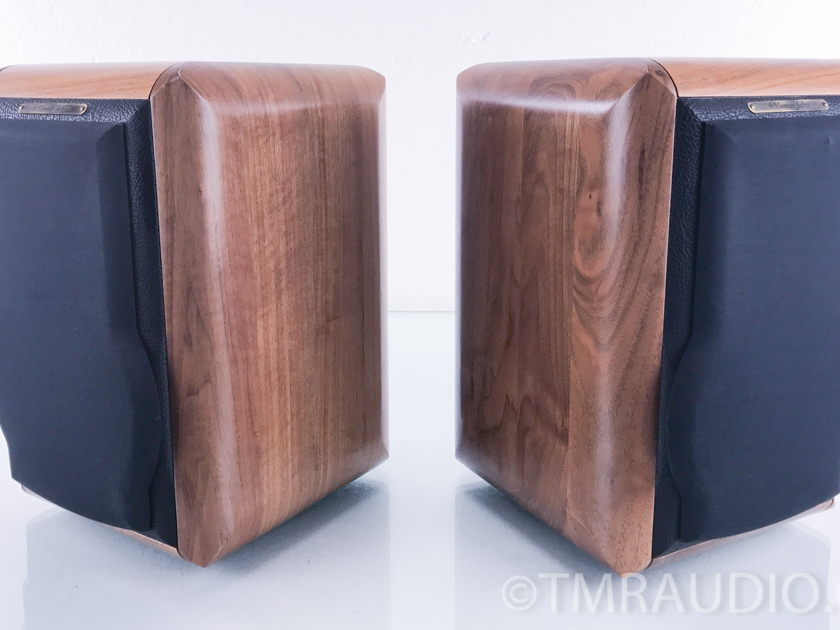 Sonus Faber  Minuetto  Bookshelf Speakers; Pair; Walnut (2750)
