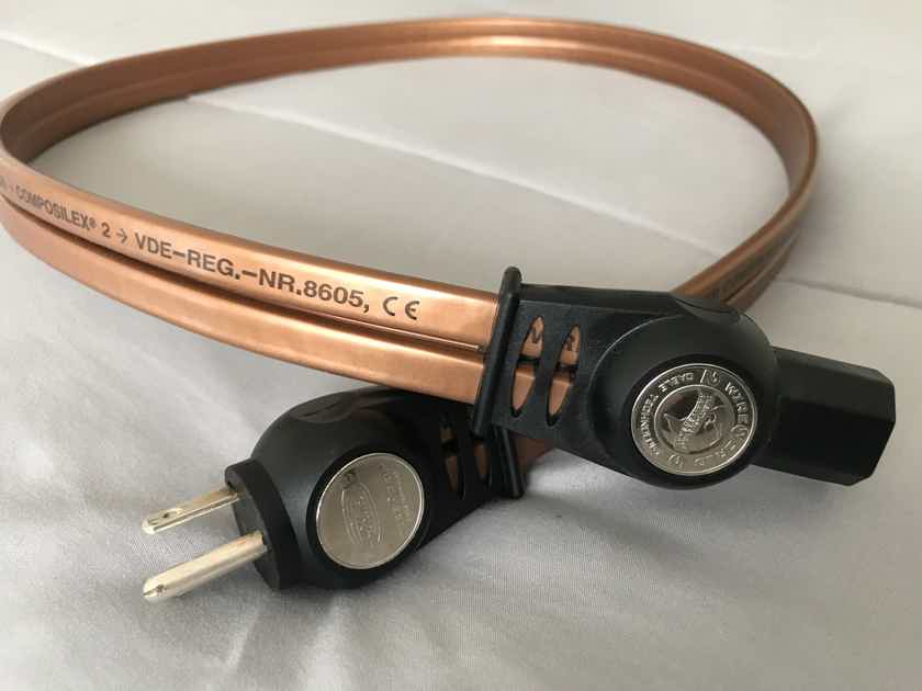 Wireworld Electra 7  power cable. 1M