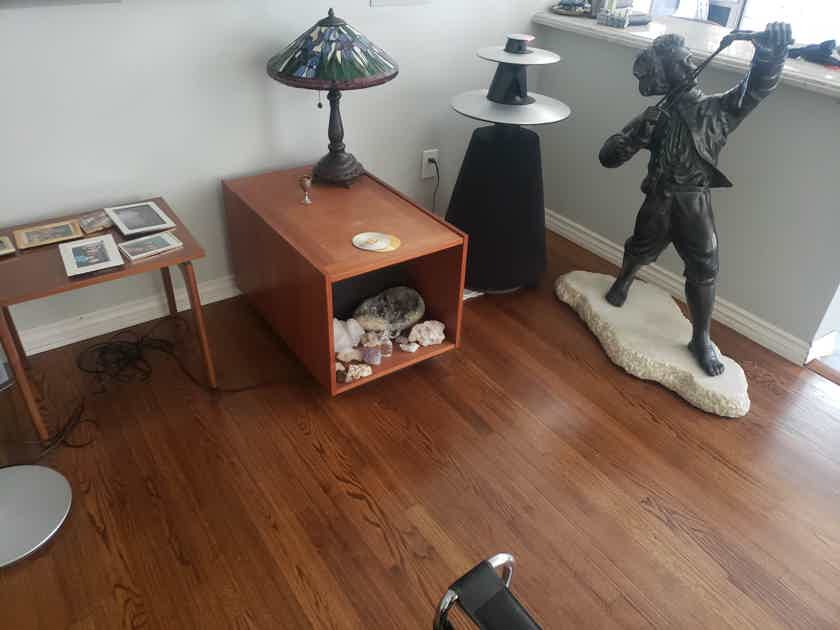 Bang & Olufsen Beolab 5 pair of speakers, beolab 9000 cd player with stand and 7-1 powered center chanel