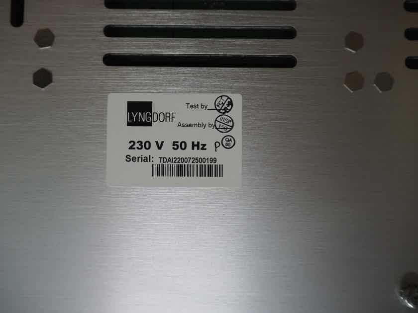 Lyngdorf Audio TDA-2200 TDAI 2200 ADC+RP INTEGATED AMPLIFIER