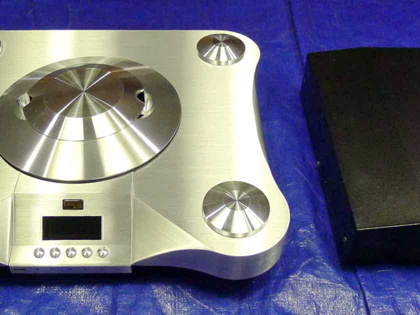 Oracle Audio Technologies CD 1500 mkII CD Player. Voltage : 110 / 230 volts . Free shipping worldwide !