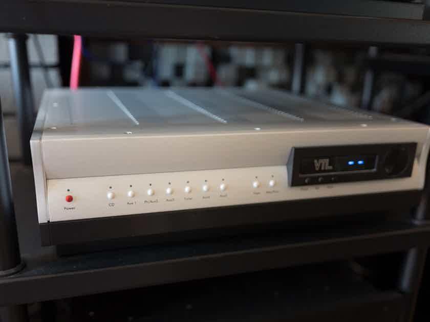 VTL TL-5.5 Series II Signature line preamplifier