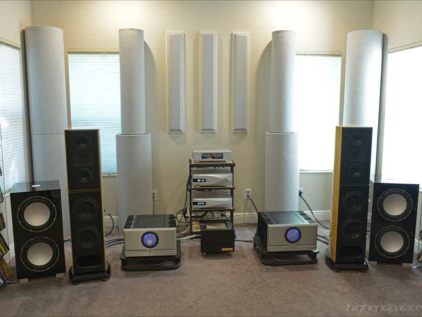 AURENDER W20 for Christmas with FREE iPad! 2nd Statement Music Server in SILVER with a serious music collection at HIGH-END PALACE