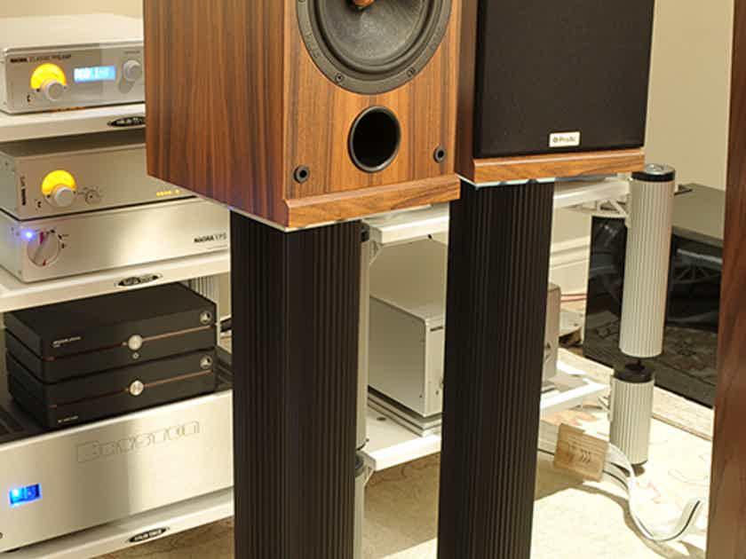 Solid Tech Radius 28 Inch Speaker Stands