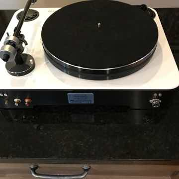 Elac 90 Anniversary Turntable