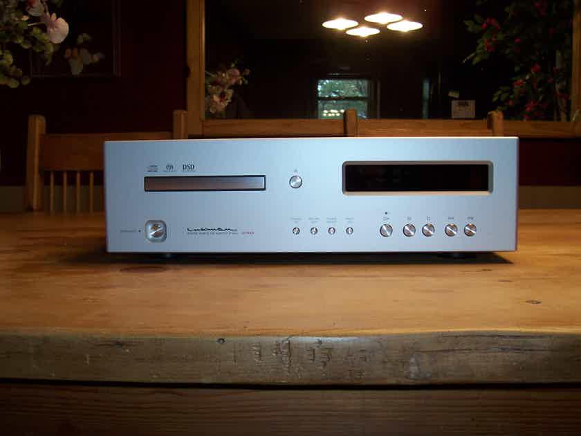 Luxman D-06U SACD Compact Disc Player