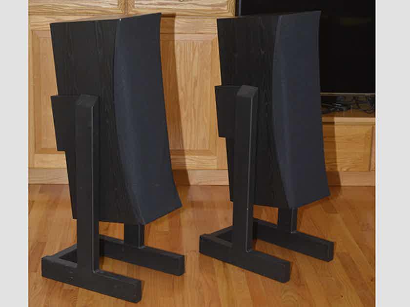Thiel Audio MCS-1 on SoundAnchor stands, XLNT