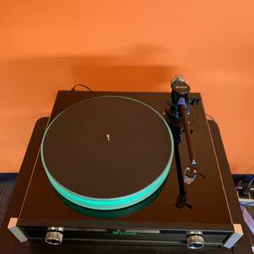 McIntosh MT-5 Turntable with Lyra Delos Cartridge