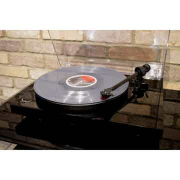 Pro-Ject Debut Carbon DC/SB Turntable - Piano Black - S...