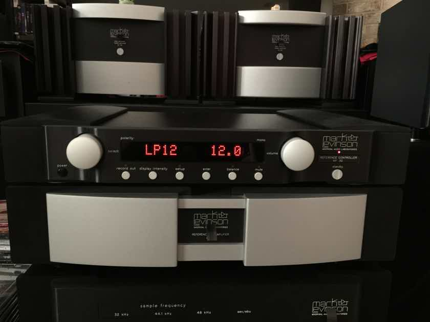 Mark Levinson No. 32 Reference Controller W/Phono (  mint condition )