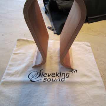 Sieveking Sound Omega Headphone Stand