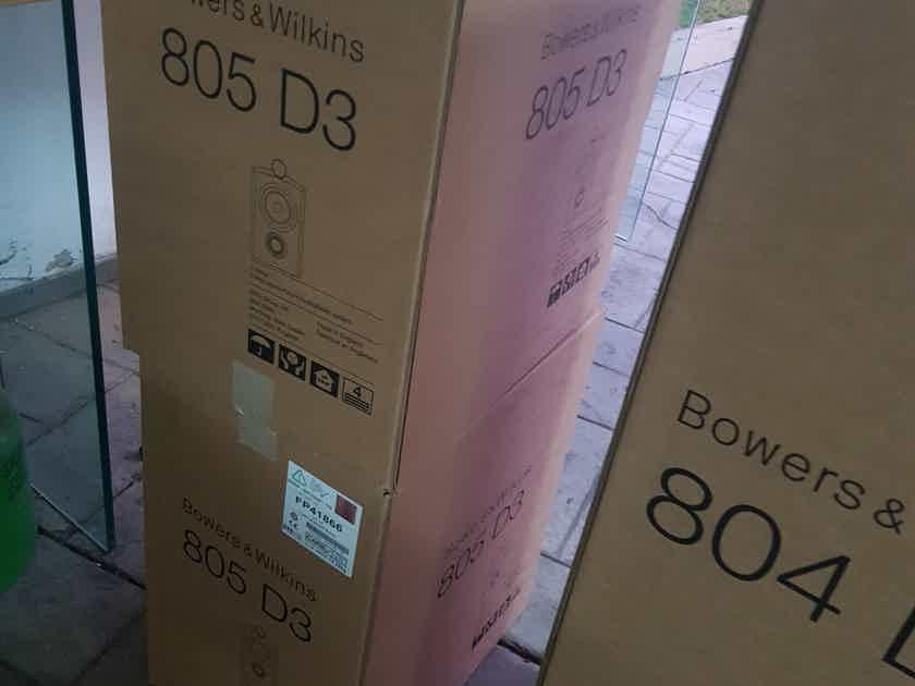 B&W 805 D3 in Walnut finish New