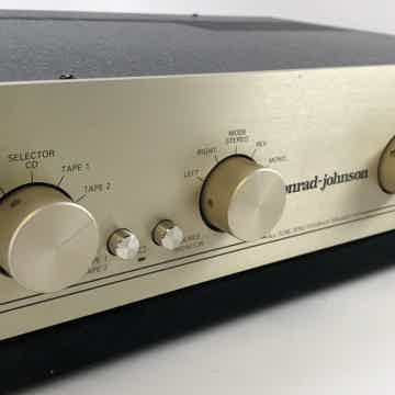 Conrad-Johnson PV11 Tube Preamp with Phono Input