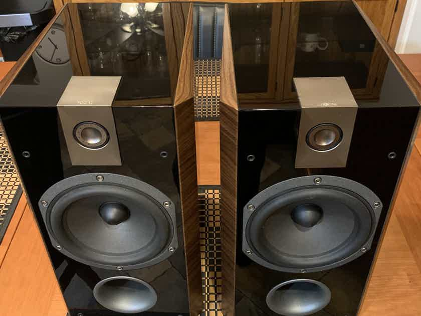 Focal Chorus front and center speakers