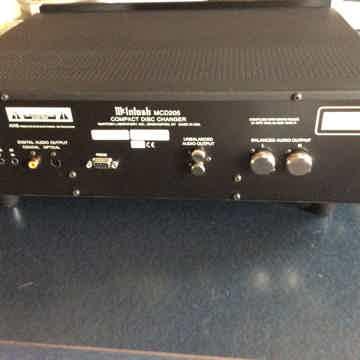 McIntosh  MCD-205 CD Player/Changer