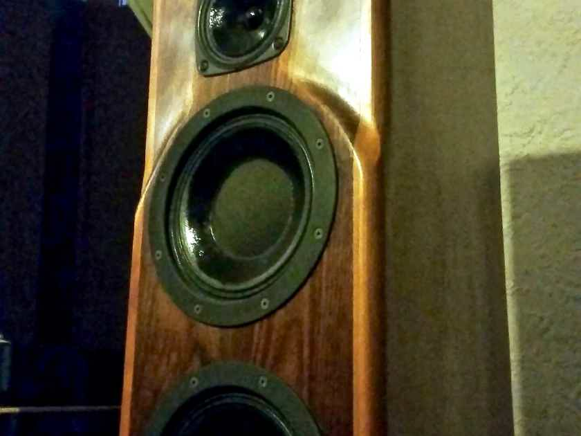 Daedalus Audio Argos V2 solid hardwood full range