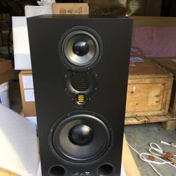 Adam S5X-V powered monitors