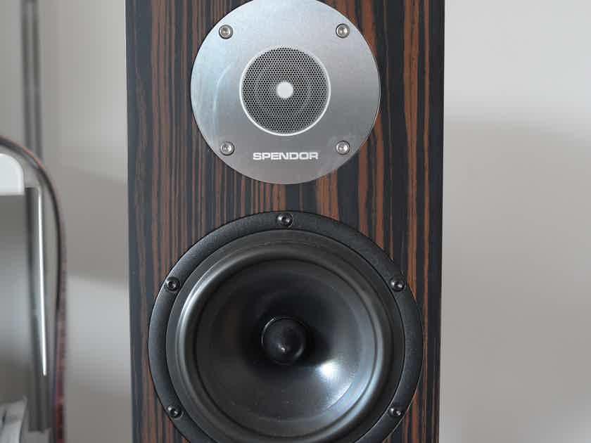 Spendor D1 Speakers
