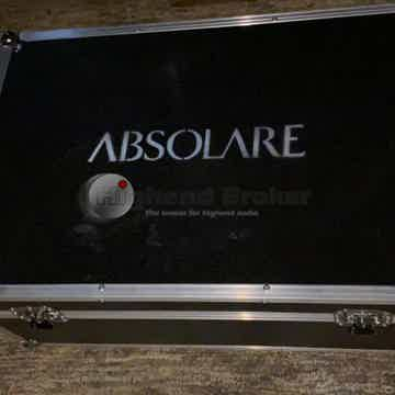 Hybrid Stereo Amplifier Signature