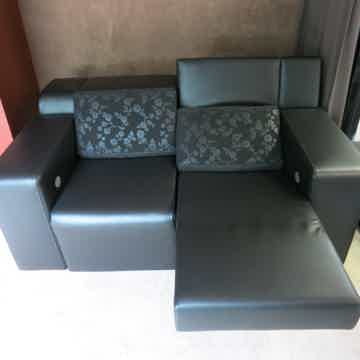 Cineak Strato Loveseat