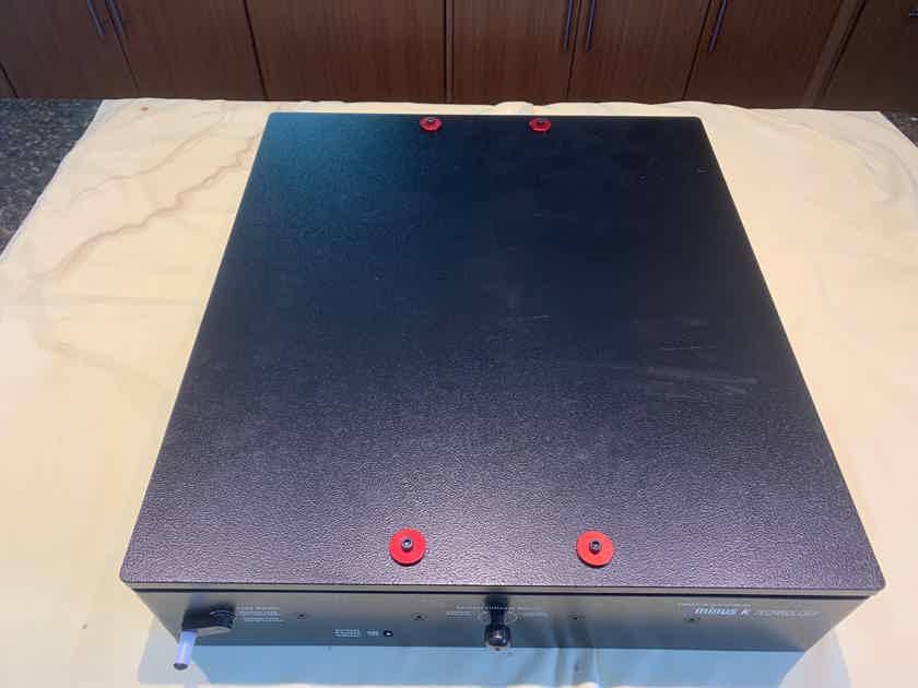 Minus K Isolation Base for Turntables