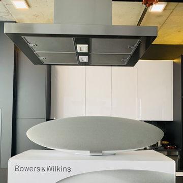 B&W (Bowers & Wilkins) Zeppelin