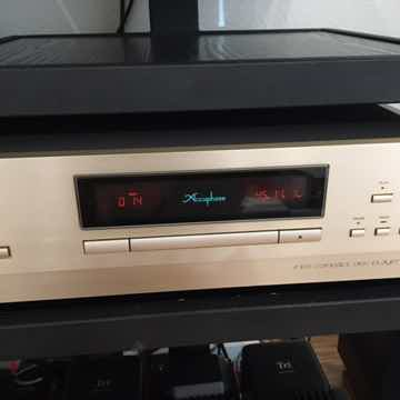 Accuphase DP 500 CD player