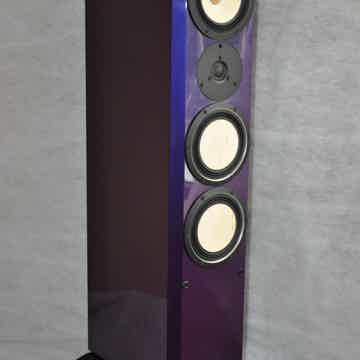 Contrast Audio Black Moon in Chameleon finish (Red Bull Blue)