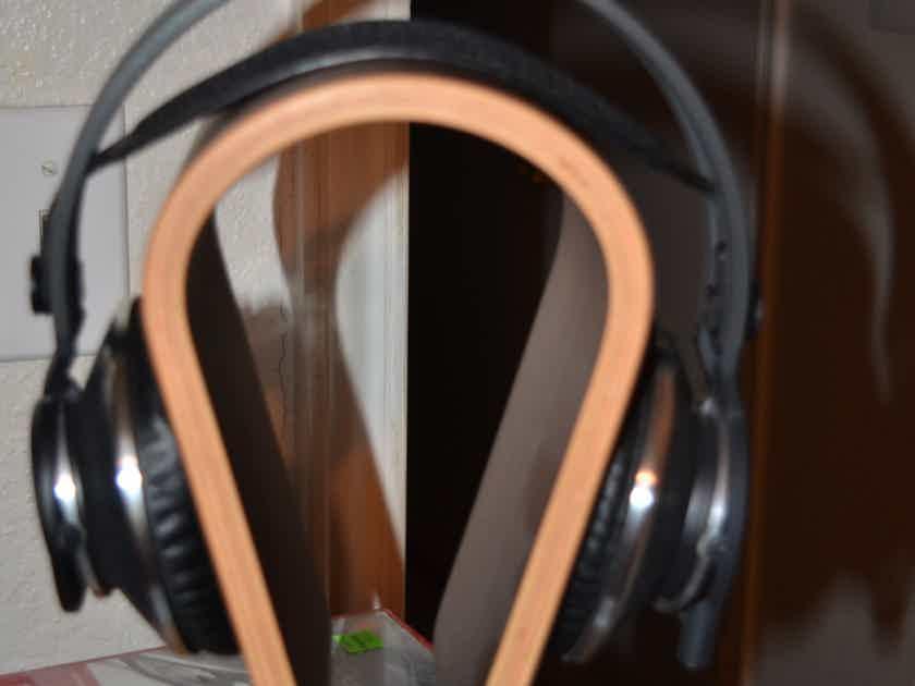 AKG K812 Headphones