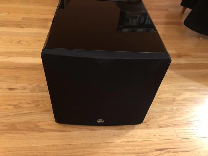 JL Audio e112-Gloss Sub