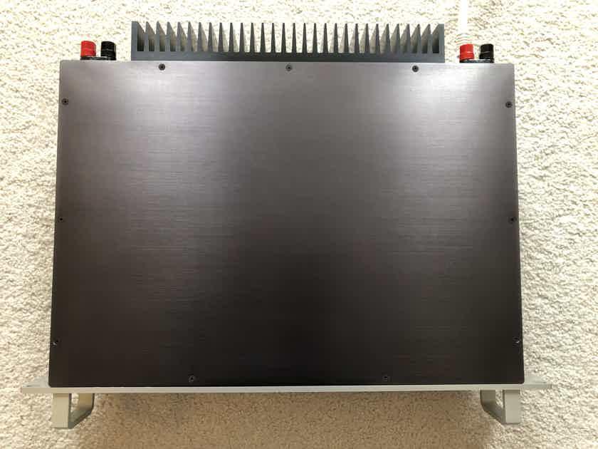 Goldmund Mimesis 6 Amplifier