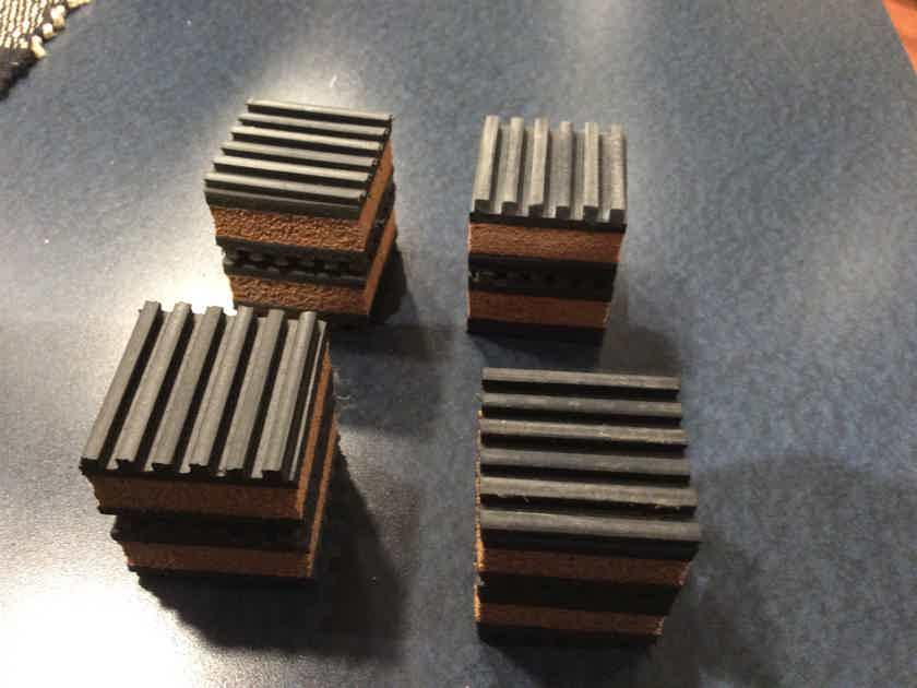 Mapleshade  Isoblocks Set of 4