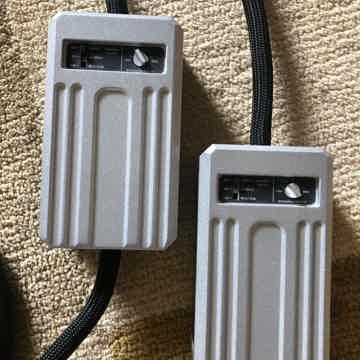 MIT Cables MA-X Interconnect Rev 1 2M RCA