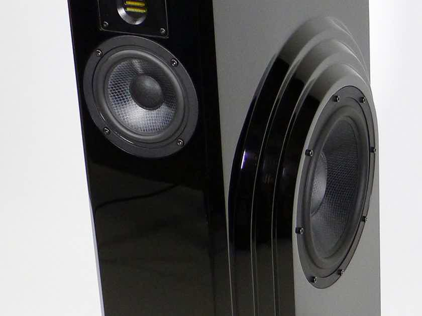 BMC ARCADIA SPEAKERS (( 60% off / like new ))